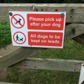 Signage on Manor Vale gate, Kirkbymoorside saying 'dogs on lead'